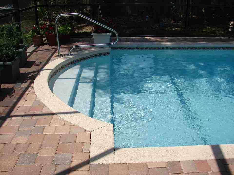 Comment remplacer une piscine shell?
