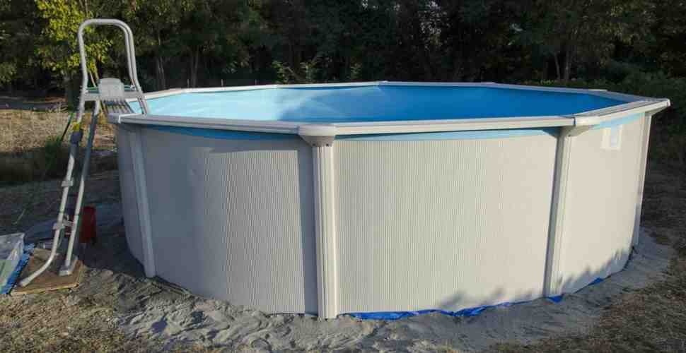 Comment tendre un liner de piscine